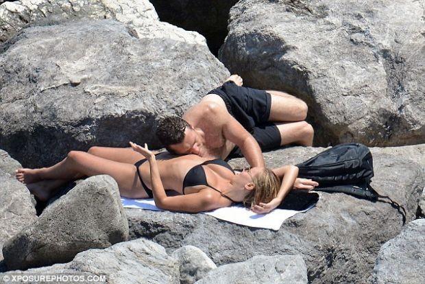 Kayalıklarda aşk başkadır! 1