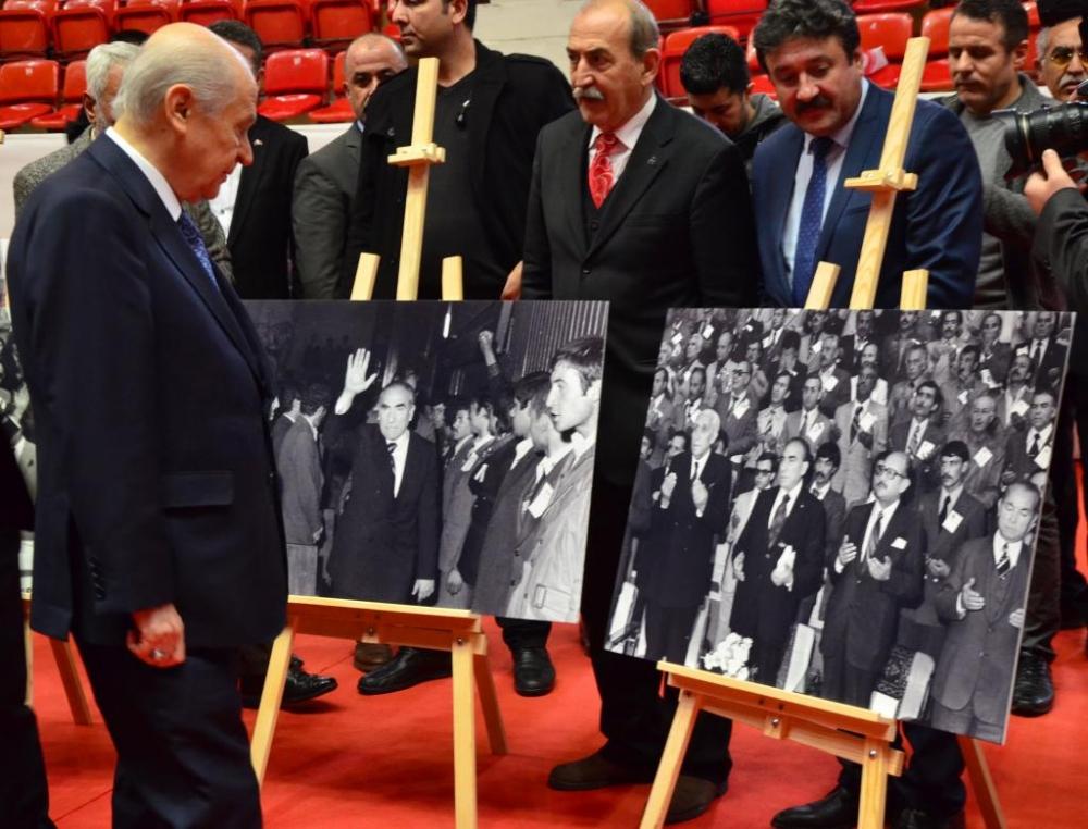 Devlet Bahçeli, MHP'nin 50. yıl sergisini gezdi 1