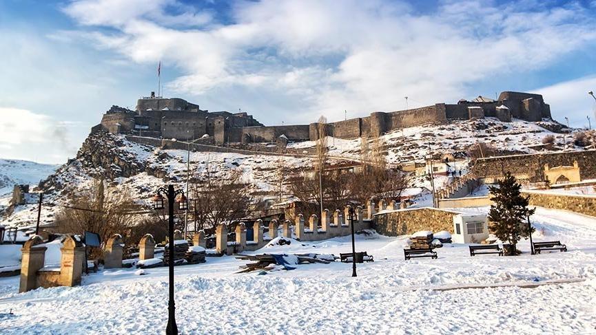 Dört mevsimi ayrı güzel: Kars Kalesi 1