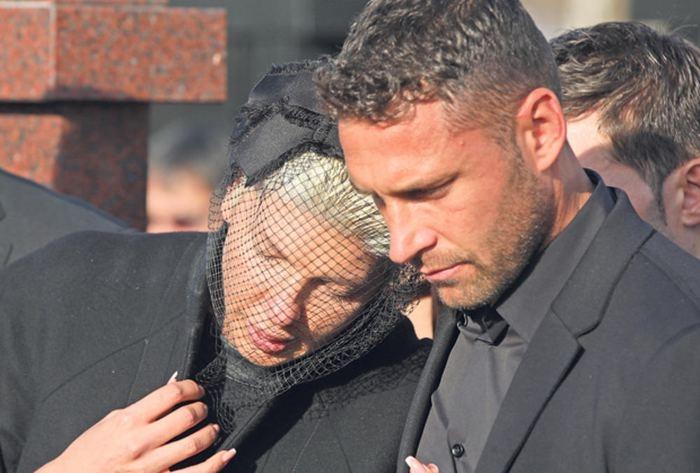 Dusko Tosic'in eşi Jelena Karleusa'nın acı günü 1
