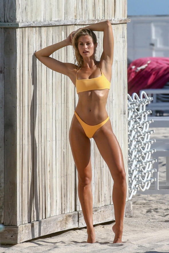 Avustralyalı model Natalie Roser yine büyüledi 1