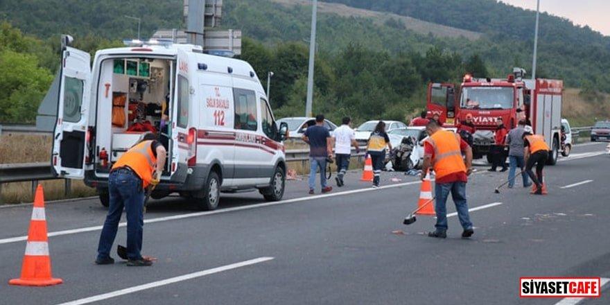 Bolu'da feci kaza! Etler yola savruldu