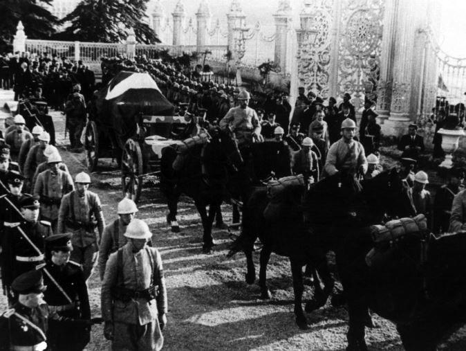 İşte Atatürk'ün ilk kez göreceğiniz fotoğrafları 1