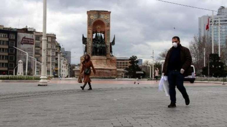 İstanbul'da vatandaşlardan koronavirüs önlemi 1