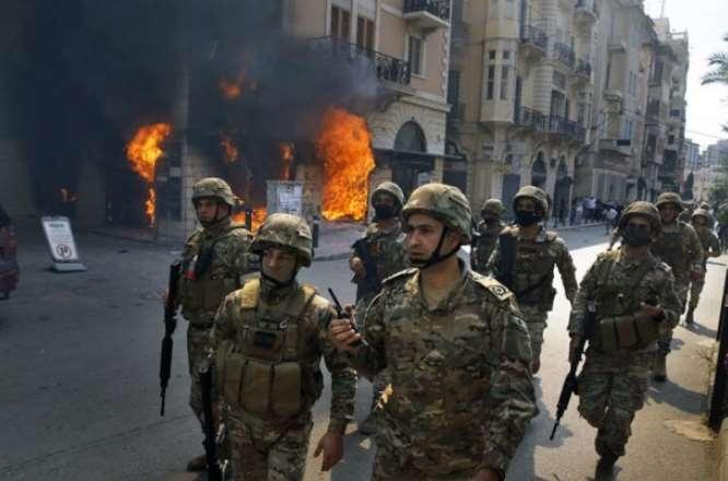 Arap ülkesinde isyan! 1