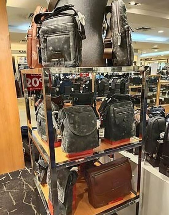 İki ay sonra AVM'de açılan mağazadan mide bulandırıcı görüntüler 1