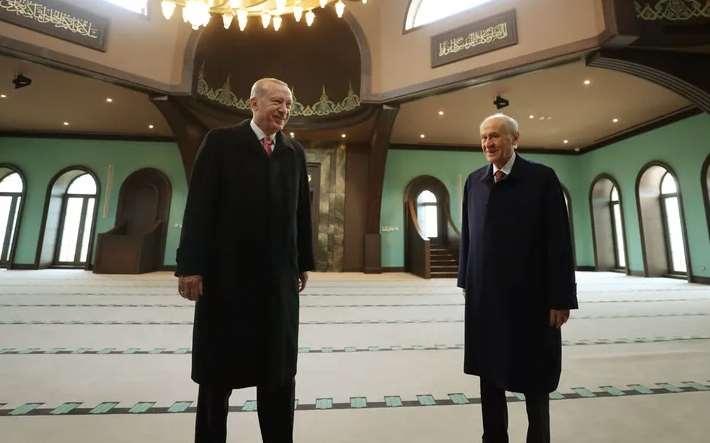 Erdoğan ve Bahçeli, Demokrasi ve Özgürlükler Adası'nı gezdi 1