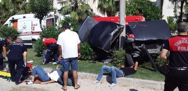 Sınava yetişmeye çalışan kız kardeşler trafik kazası geçirdi! 1