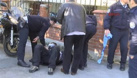 Eski vekilin aracına silahlı saldırı: 3 ölü