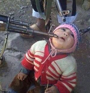 Burası Suriye ve İslam adına bebekleri öldürmek