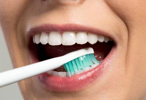 Evde diş taşı nasıl temizlenir?