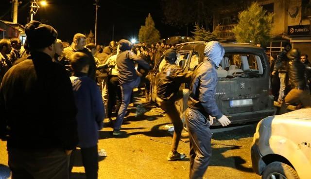 Diyarbakır'da gerginlik: 16 yaralı