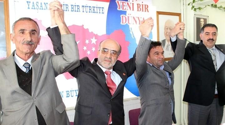 AKP'den istifa edenler SP'ne katıldı