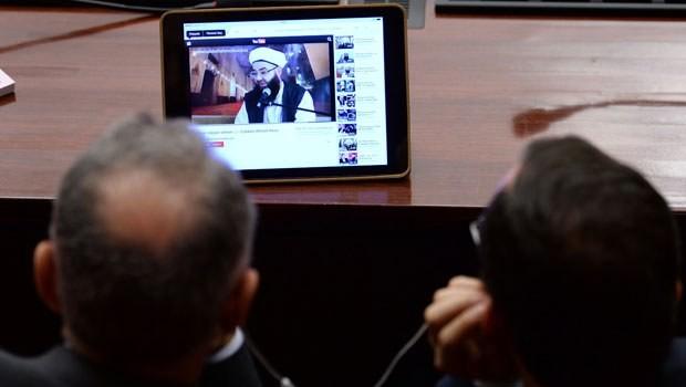 Vekiller Meclis'te YouTube'u izledi