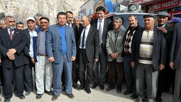 AKP'den istifa edip SP'ye geçtiler
