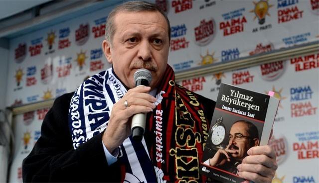 AKP'mitinginde Büyükerşen Kitabı