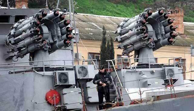 Ruslar Kırım'a otomatik silahla ateş açtı