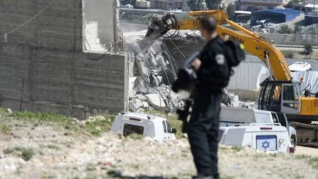 İsrail Nablus'ta cami yıktı