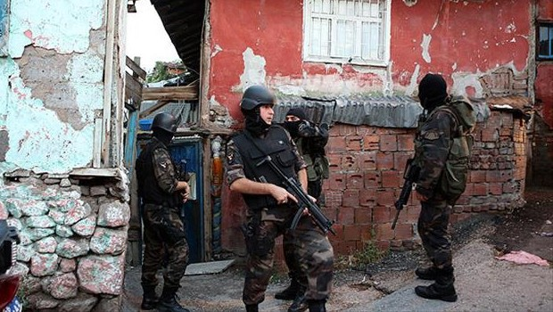 Ankara'da şafak operasyonu