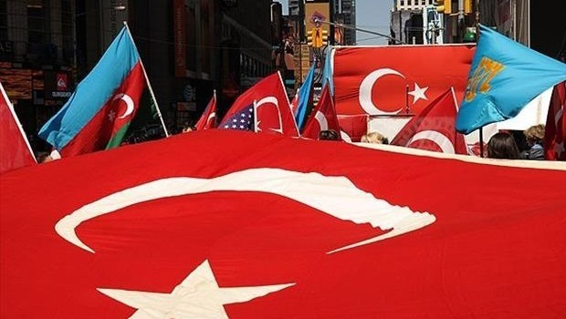 Türkler Times Meyda'nına akın etti