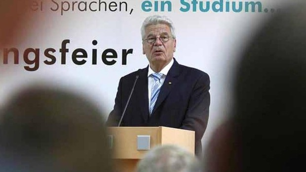 Gauck Erdoğan'a az bile söyledi