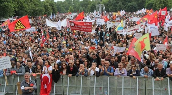 Erdoğan'ı Almanya'da protesto ettiler