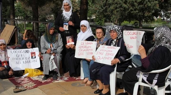 Mağdur anneler Diyarbakır'a akın ediyor