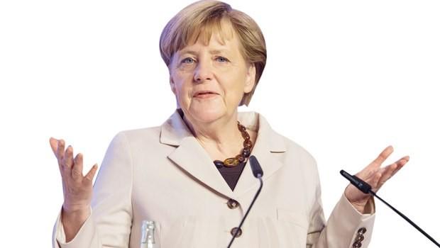 Almanya'da Merkel'e seçim şoku!