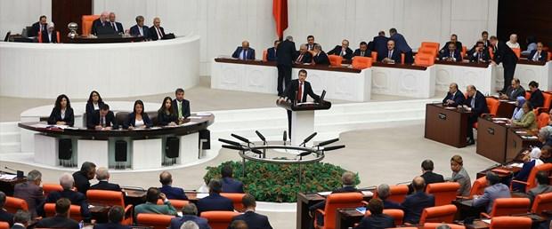 HDP'nin karşı çıktığı tezkere Meclis'ten geçti