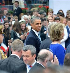 Obama Polonya'da ezberi bozdu