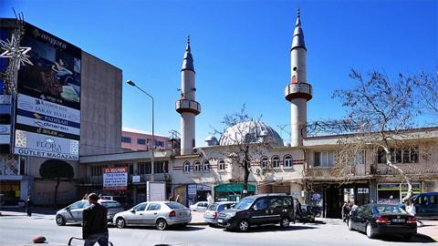 AKP  cami yıkıp, ticaret merkezi yapacak
