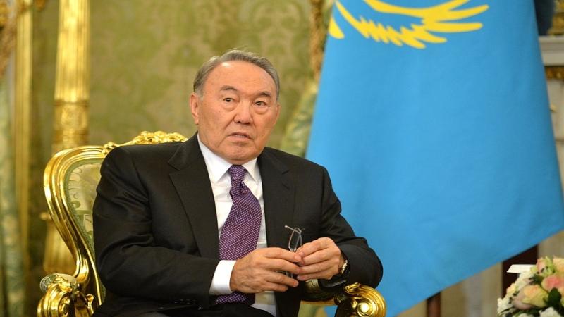 Nazarbayev'den yeni alfabe açıklaması