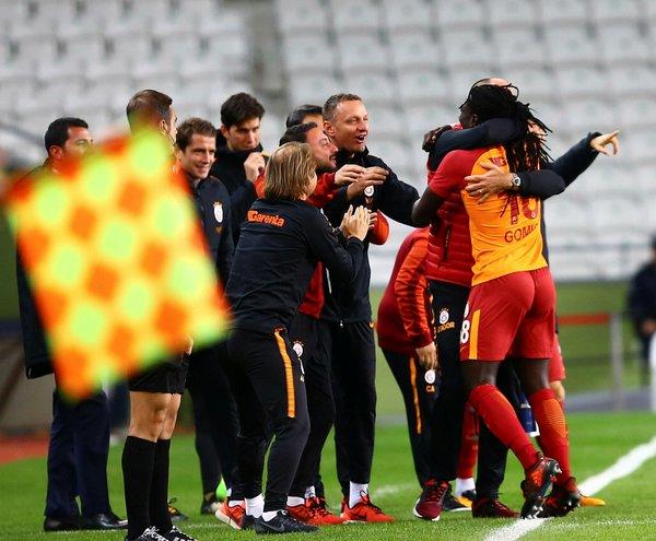 Galatasaray Durdurulamıyor Geceyi 2-0 Olarak Kapattı