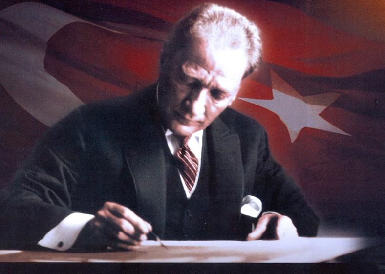 """Yasaklanan 'Bozkurt"""" yeniden yayında"""