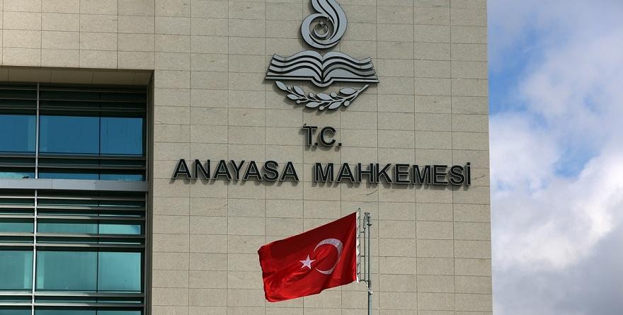 Anayasa Mahkemesi'nden AK Parti'ye şok