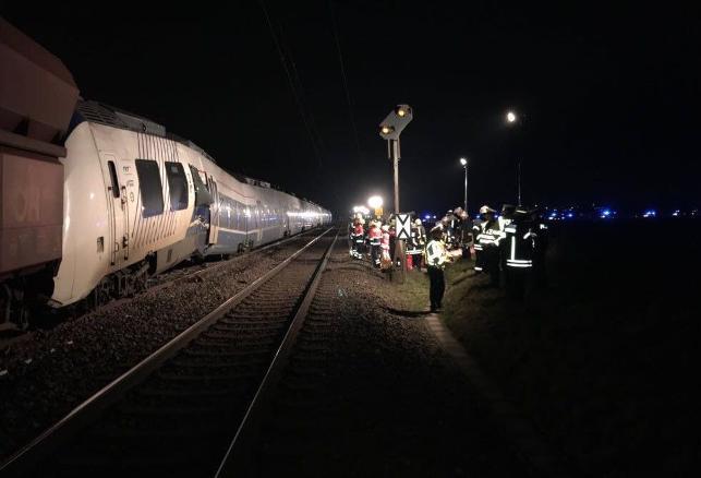 Almanya'da tren faciası: 50 yaralı