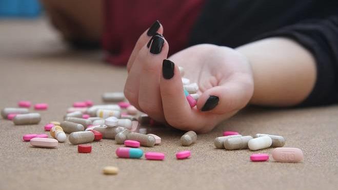 Sosyal medya kullanan kızlarda intihar oranı % 85