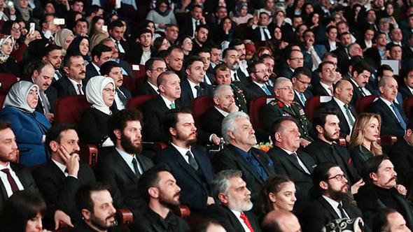 """Cumhurbaşkanı Erdoğan Saray'da, """"Kut'ül Amare"""" yi izledi"""