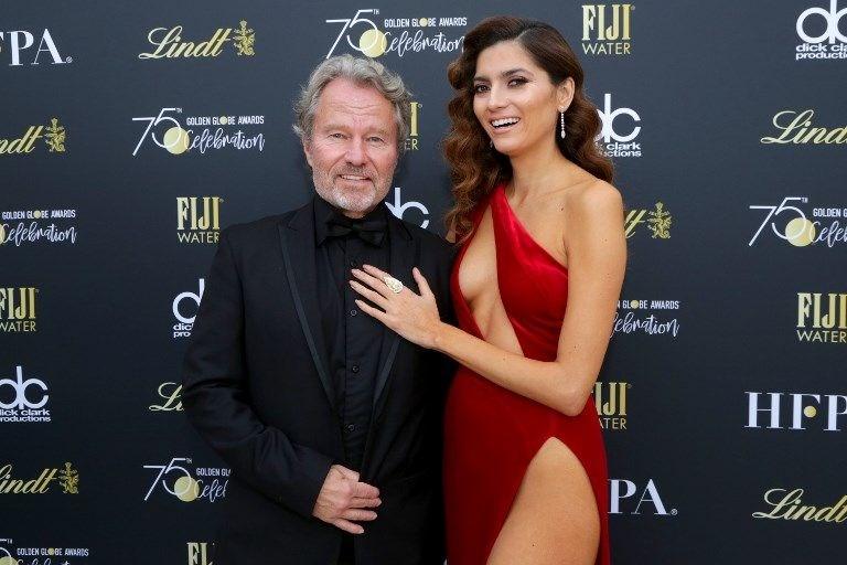 Kırmızı giyen Blanca Blanco tepki çekti
