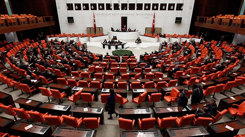 Meclis'te taciz skandalı