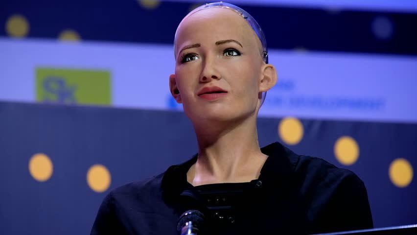 Robot Sophia'dan Türkiye'ye mesaj var