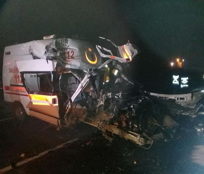 İzmir'de feci ambulans kazası!