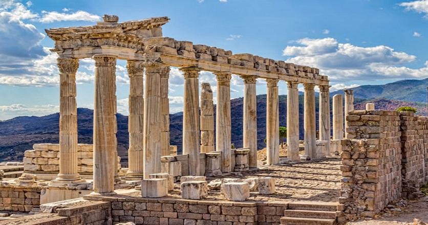 2 bin 500 yıllık oyun seyirci karşısına çıktı