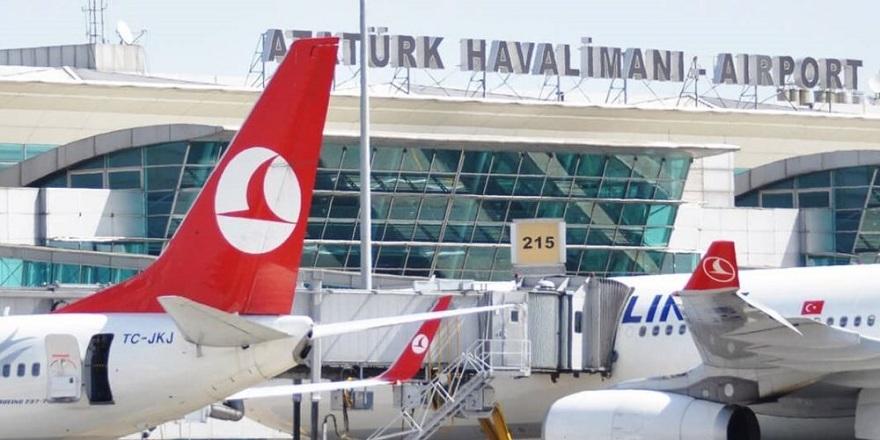 Atatürk Havalimanı'nda büyük panik! Uçaklar inemiyor