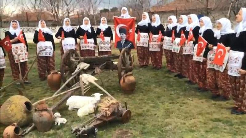 """""""Cumhuriyet Kadınları"""" korosunun belgeseli çekilecek"""
