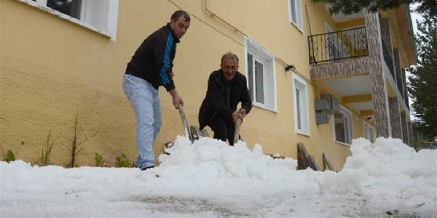 Kars ve Erzincan beyaza büründü
