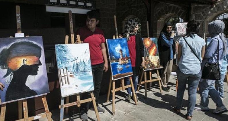 Cemil Meriç'in evinde resim sergisi açıldı