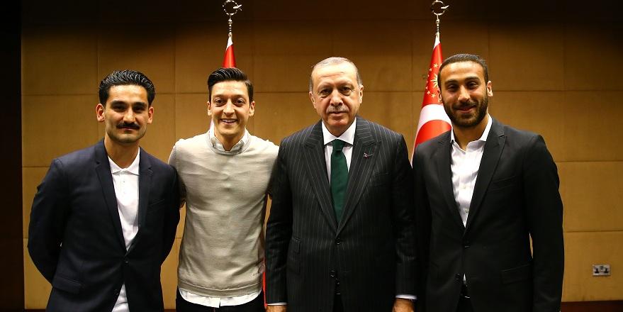 Erdoğan ile görüşen futbolcuya şok saldırı
