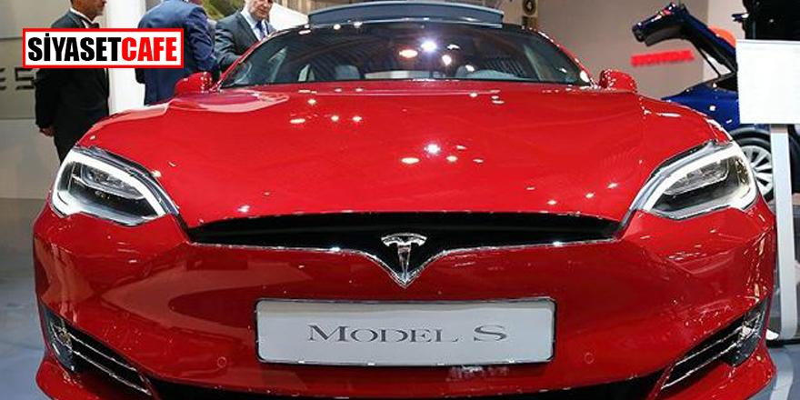 Elon Musk, Twitter'dan duyurdu! Tesla'yı çekiyor