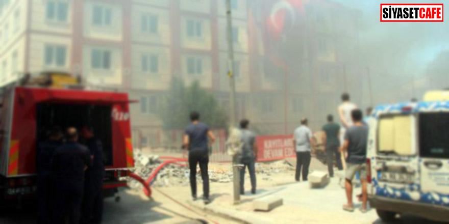 İstanbul'da Okulda Yangın! Öğrenciler Tahliye Ediliyor